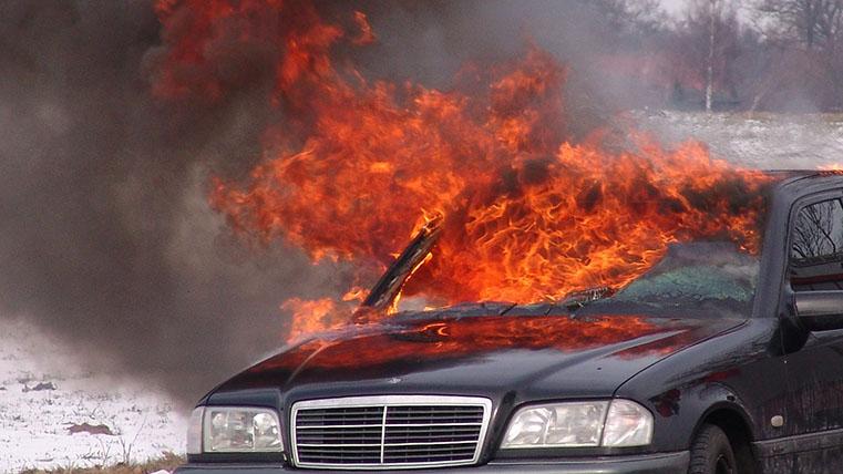 Bufala: le auto elettriche si incendiano?